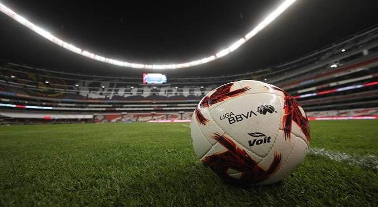 Regreso del futbol sería sin garantías, asegura especialista