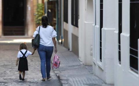Madres divorciadas a comprobar gastos