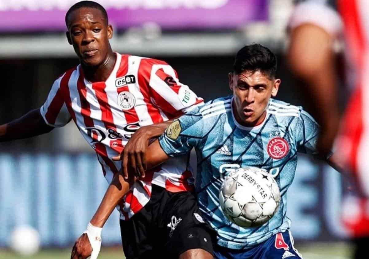 Edson Álvarez es titular con el Ajax
