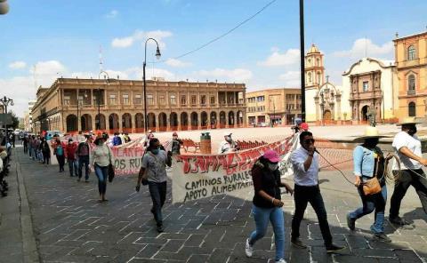 Huastecos protestan contra dependencias
