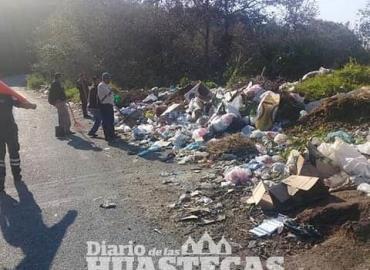 Prohíben depositar basura en carreteras