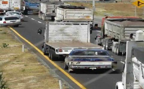 Camioneros bloquean principales carreteras