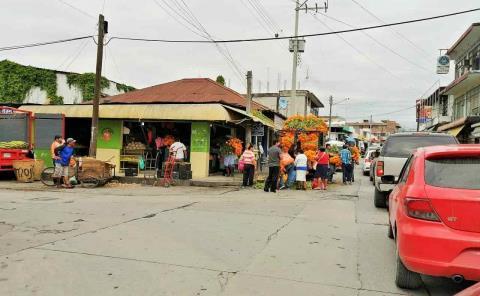 Ambulantes provocan 'caos' en zona Centro