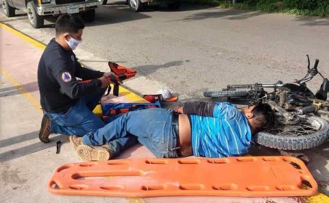 Herido al derrapar joven motociclista