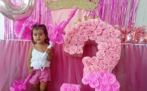 Tarde de piñata para Maite Dannae Sánchez