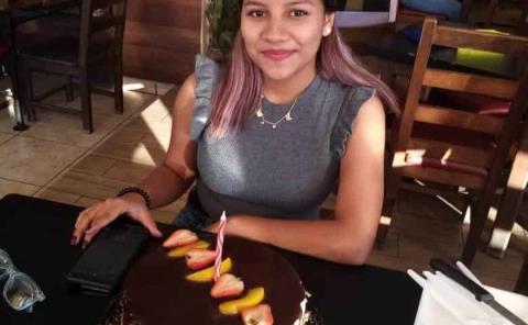 Lesley Castañeda celebró 17 años