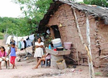 Comunidades acusan pobreza