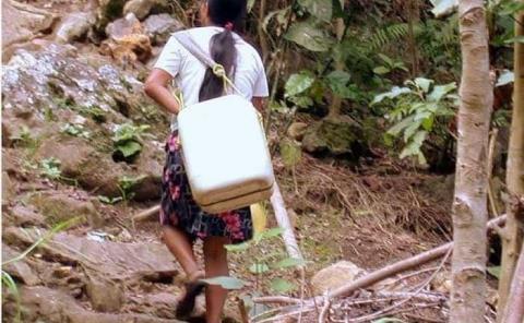 Sufren por falta de agua potable