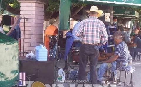 Faltan contenedores de basura en plazas