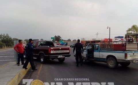 """Ejidatario ocasionó choque en la """"súper"""""""