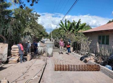 Codesol supervisó el arreglo de calles