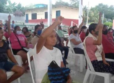 Eligen autoridades en San José Pequetzén