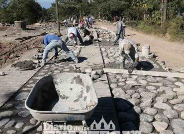 Alcaldía realiza pavimentación