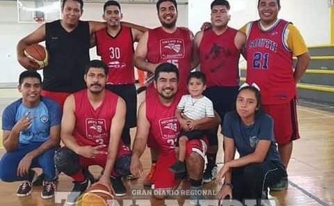 Cuchitril mantienen  liderato de básquet