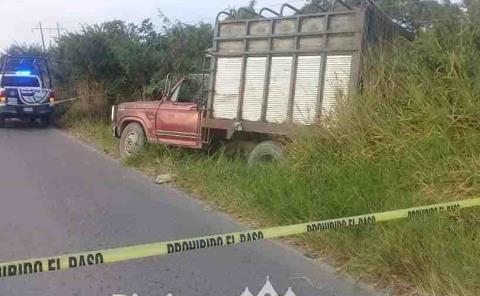 Muere conductor mientras manejaba