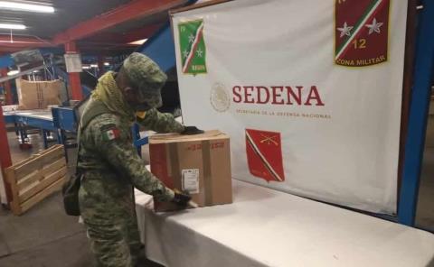 Personal militar asegura droga en el aeropuerto de S.L.P.