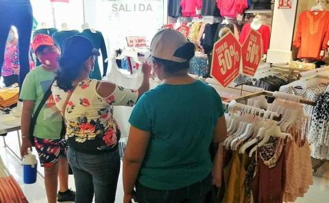 """Mujeres """"clientes de oro"""" en el Buen Fin"""