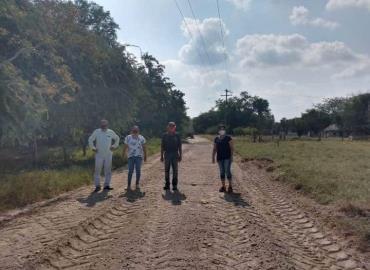 Rehabilitan acceso al ejido El Caracol