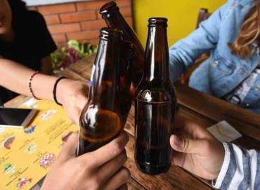 Cantinas venden alcohol a menores