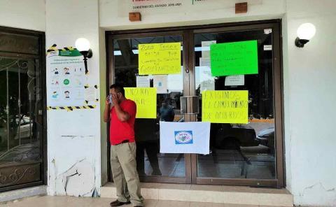 Bloquearon oficinas de Gobierno Estatal