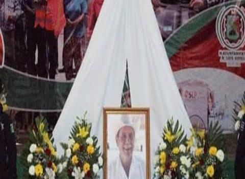 Rinden homenaje al Alcalde fallecido
