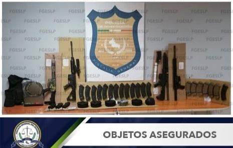 Fiscalía asegura armas y cartuchos