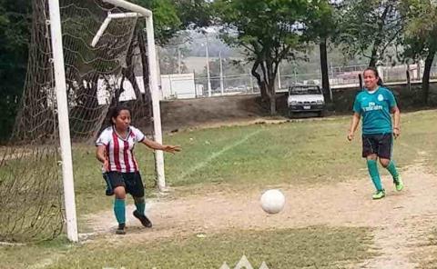 Rescatar el futbol femenil