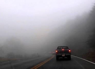 Advierten contra niebla en caminos