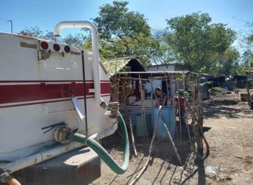 Llevaron agua a Emiliano Zapata