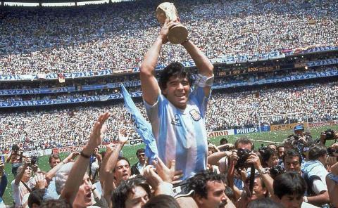 AD1ÓS Maradona