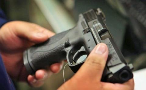 Diputado pide a la gente armarse