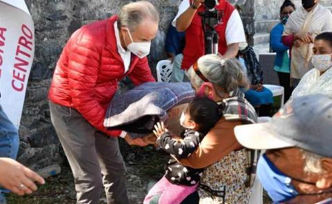Llevaron ayuda a familias pobres